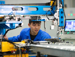 Factory activity stays in expansion zone