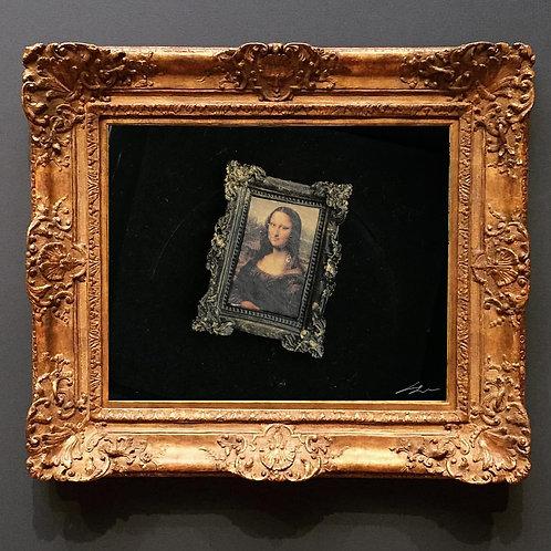 Mona Lisa Çerçeveli Broş