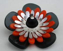 Flower power III, brosje
