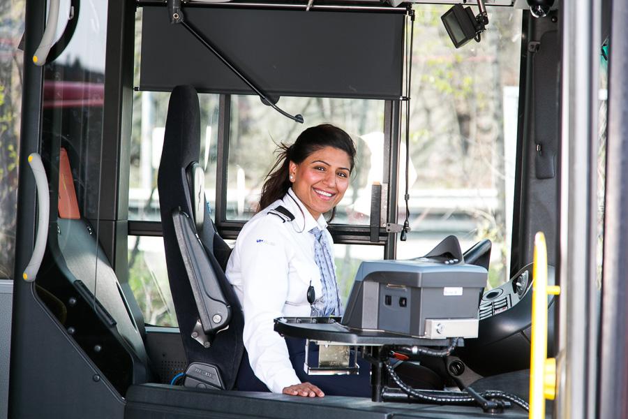 Transport, kommunikasjon. Unibuss