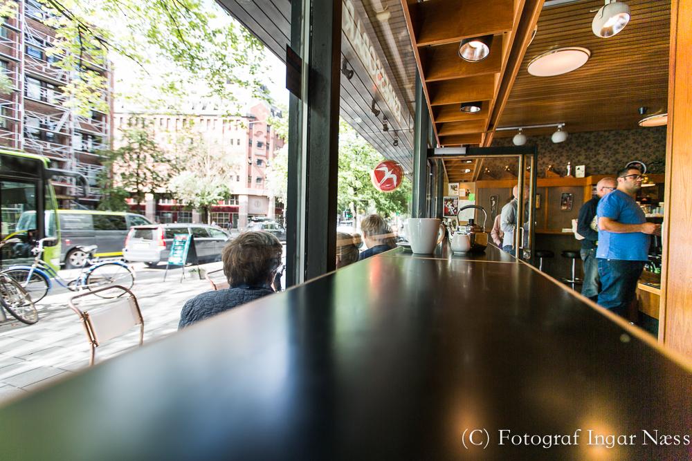 Retro coffee shop Fuglen i Oslo