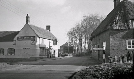 Bishop's Sutton -  the Ship Inn and Old Ship Cottage