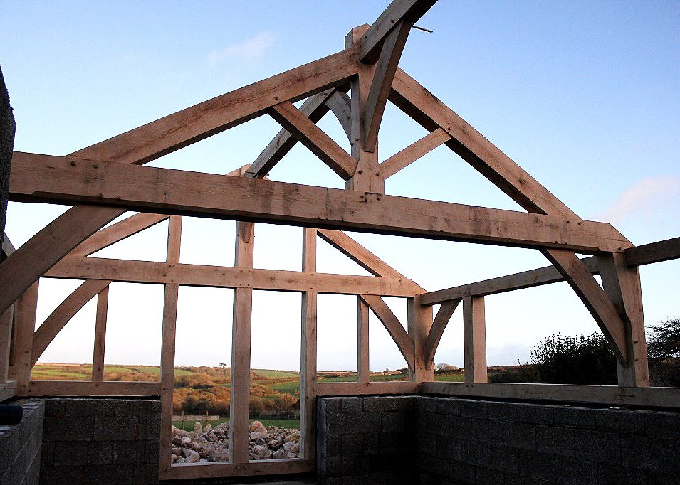 Oak frame on a cold Cornish afternoon (photo courtesy of Oak Frame Cornwall)