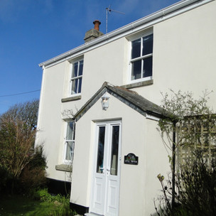 Front elevation of St Ives cottage on a sunny, blue sky day!