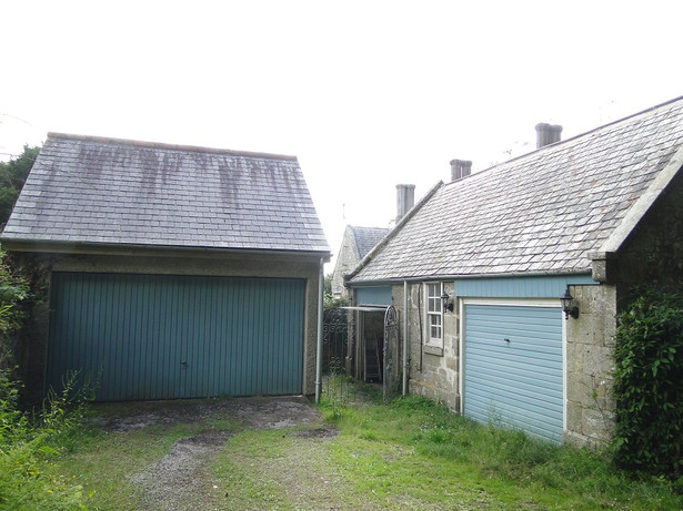Original Garage and stables of Grade II Listed house in Camborne, Cornwall.
