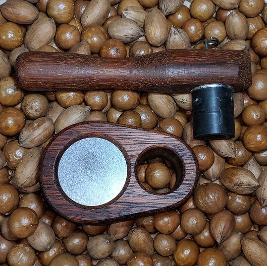 """Queensland Nut"" Bustre on macadamias & Pecans"