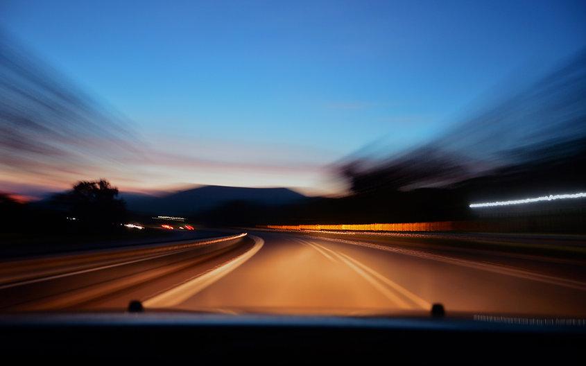 Highway_morning_sun_long_exposure_4K_Ult
