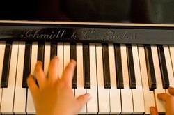2011-06 Twee piano's