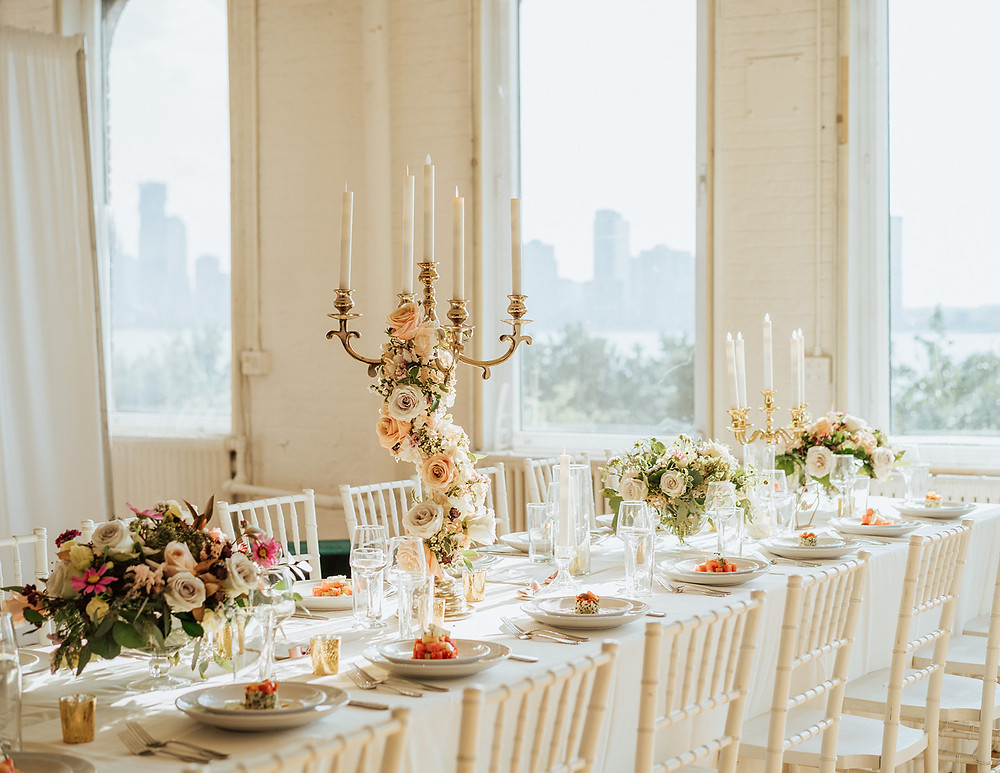 Wedding tablescape photo by 22Ivy