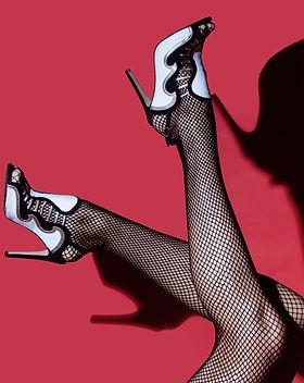 fashion-fashionable-feet-1615799.jpg