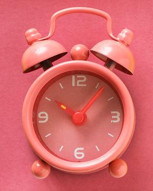 alarm-clock-analog-analogue-1065712.jpg