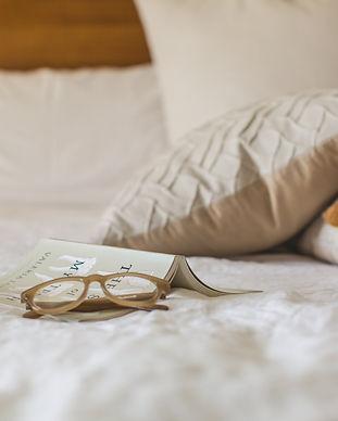bed-blur-indoors-545026.jpg