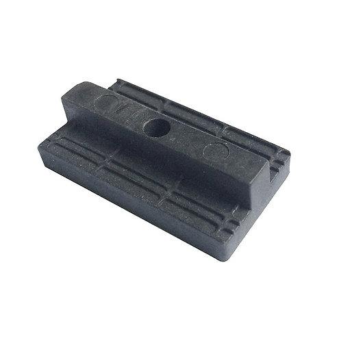 Clip plastico para aplicacao de deck composito