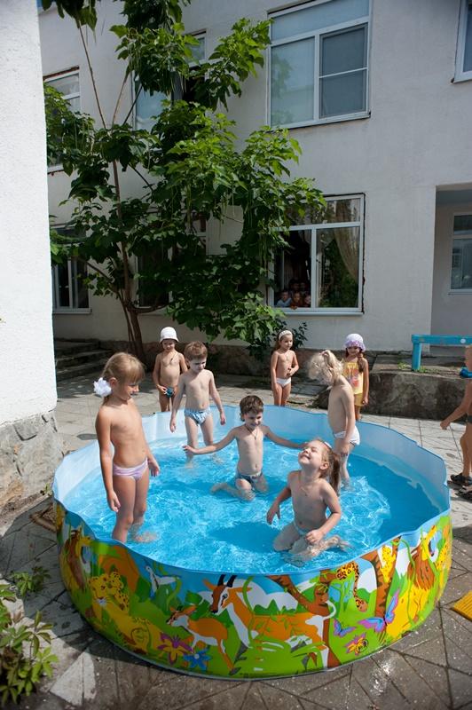 МАДОУ ЦРР-детский сад №70 купание в бассейне