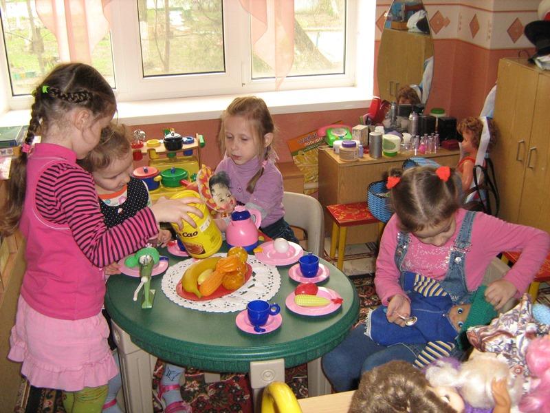 МАДОУ ЦРР-детский сад №70 игра в дочки матери
