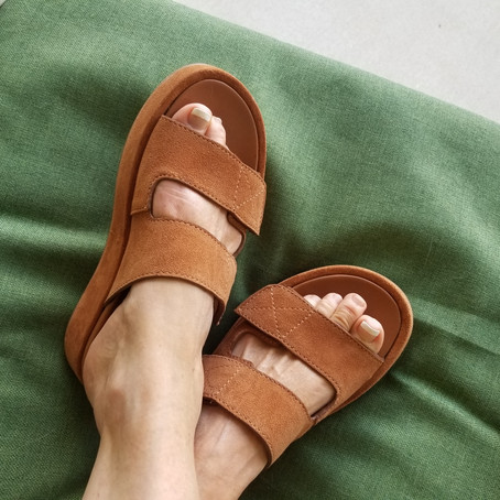 Chic Comfortable Shoes Meet Fashionista Dreams [Review]