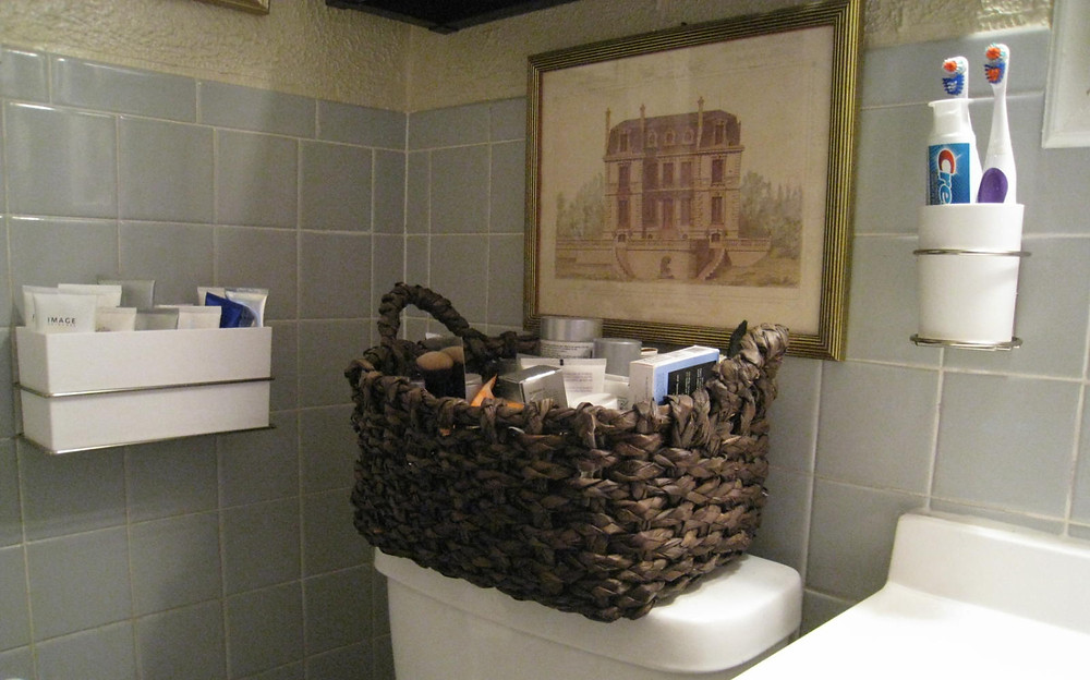 Command Brand Bathroom organizers