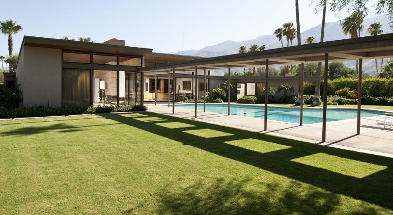 Swing Like Sinatra: Dream Stay in his Luxury Desert Estate
