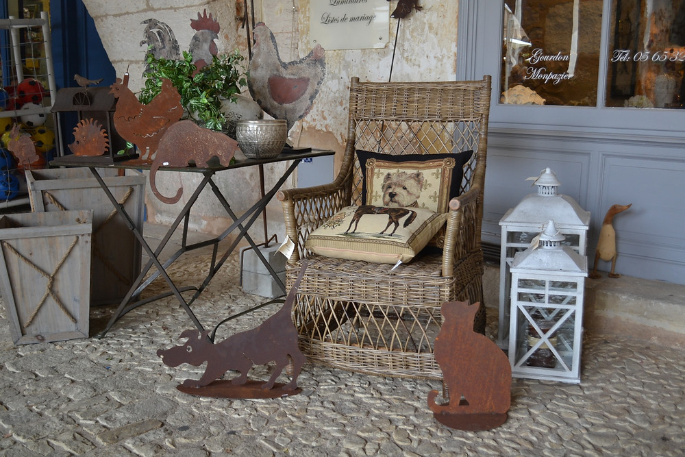 Shabby Chic Decor for Relaxed Chic Comfort