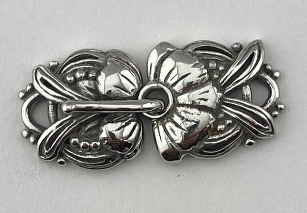 Hook & Eye, Iris Clasp, in Sterling Silver