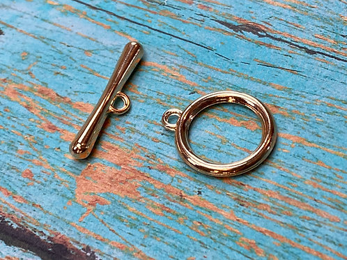 Contemporary Rounded Toggle Clasp (gold)