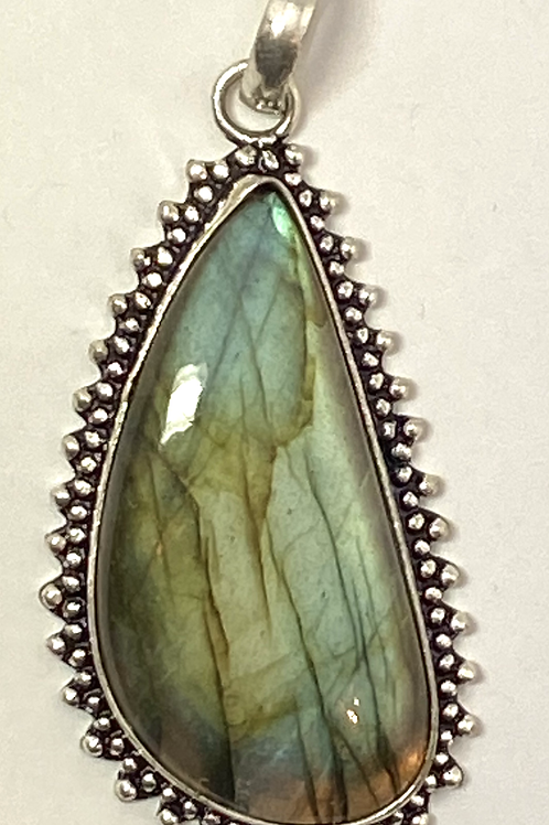 Bali Bezel set Labradorite w Patterned Bail