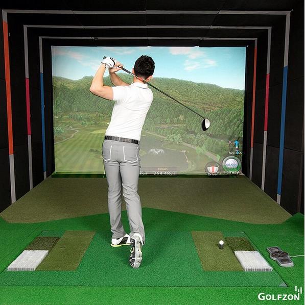 Golfzon simulator front pic