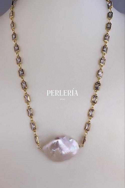 Cadena con perla nucleada