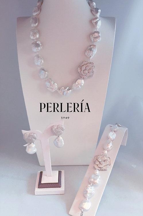 Juego perla nucleada flor circonia