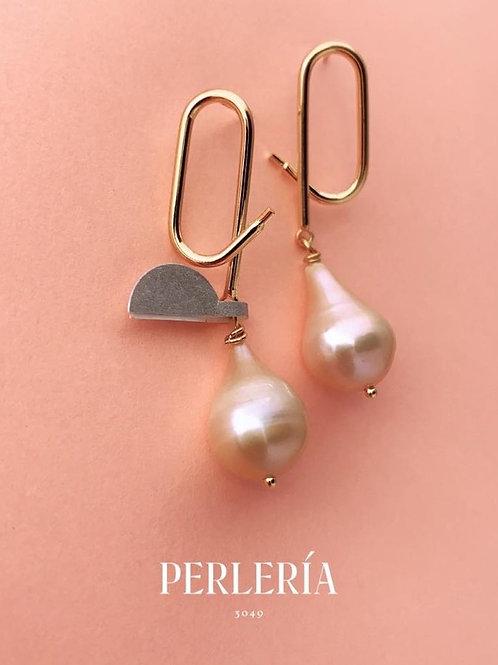 Aretes perla barroca