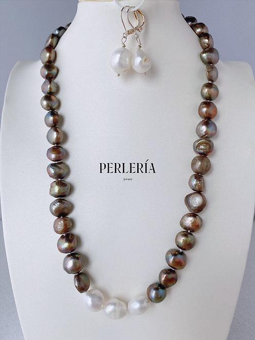 Collar Perlas cultivadas color chocolate y blanco