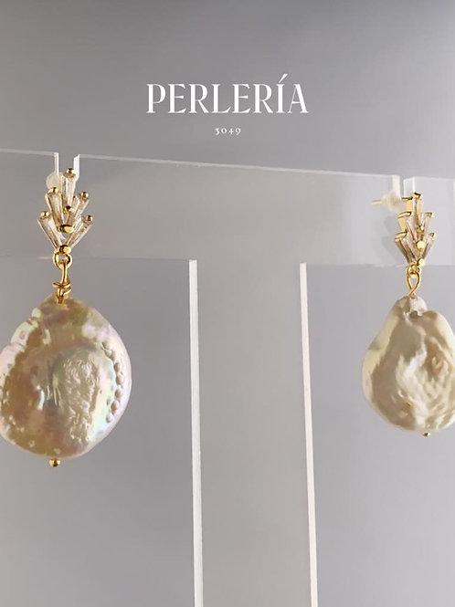 Aretes Perla cuitivada con baguette