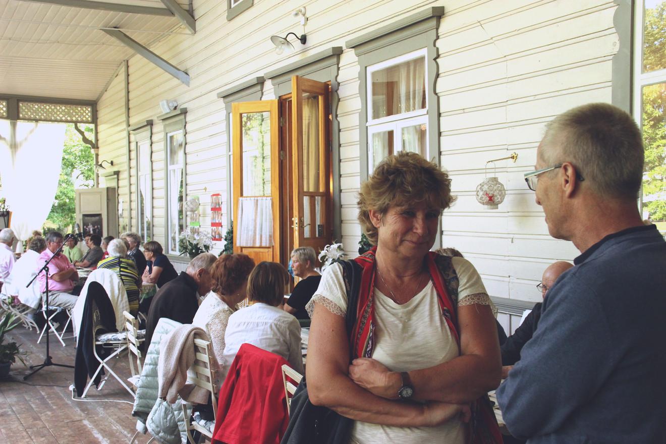 Siw besöker Finland varannan sommar och här deltar hon i Corazón Grandes sommarfest.