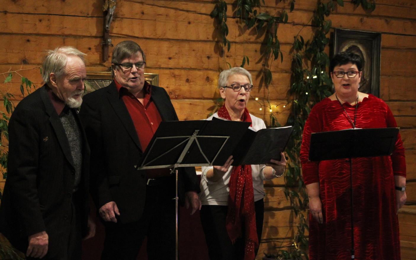 """Kvartetten """"Vi fyra"""" uppträdde."""