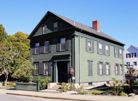 AGHOST visits the famously haunted Lizzie Borden House.