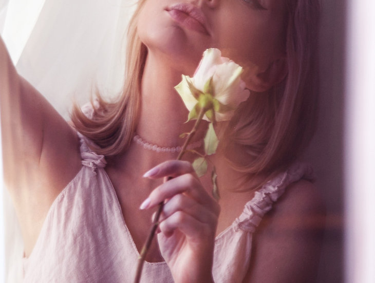 Delicate Rose Quartz Choker No 6