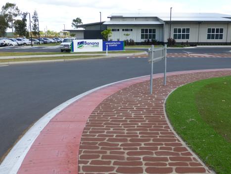 Roundabout grass.JPG
