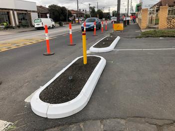 Semi Barrier rubber kerb- traffic calmin