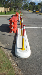 rubber kerb road closure- traffic calmin