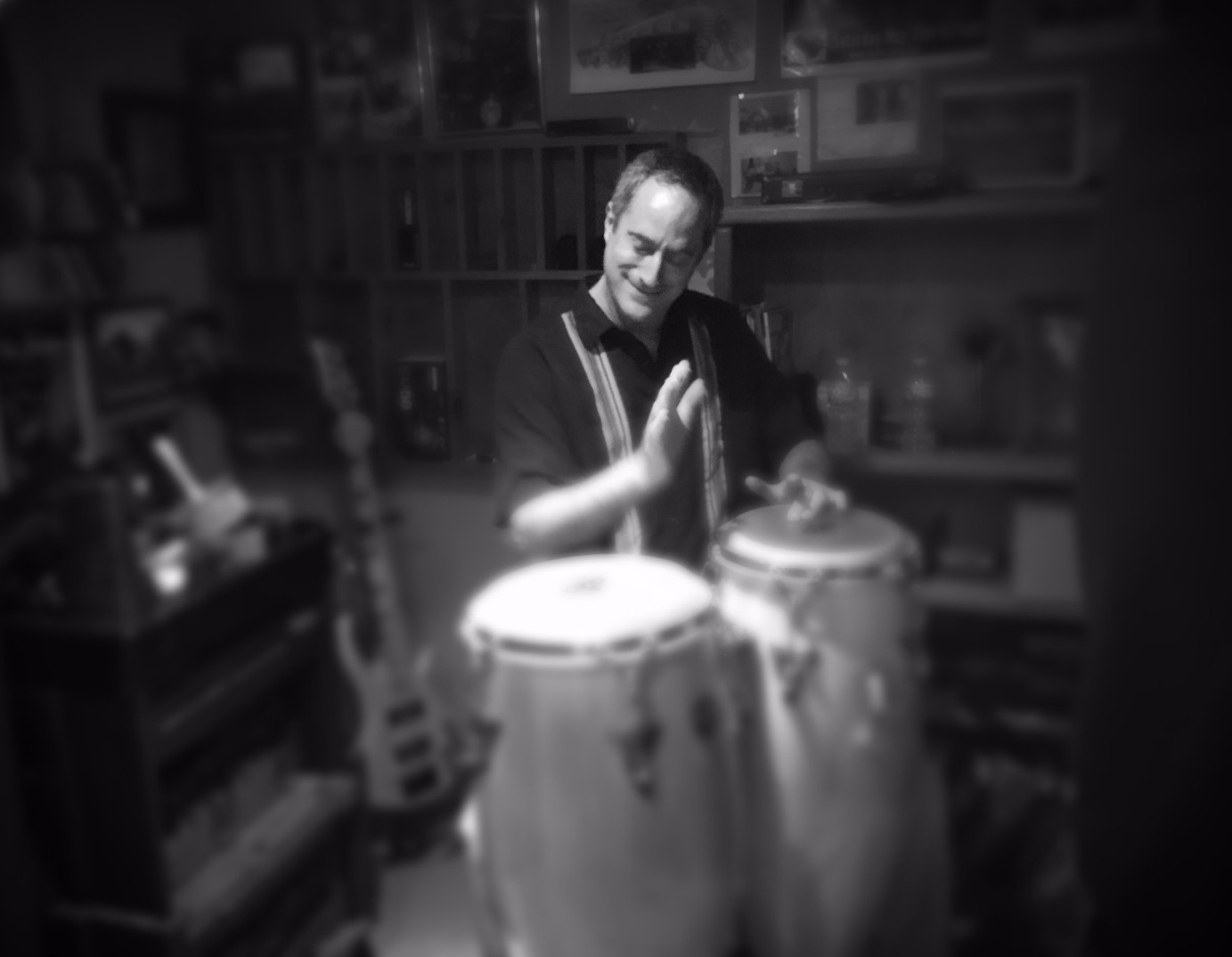 Pete Wise- Percusiion, Vox