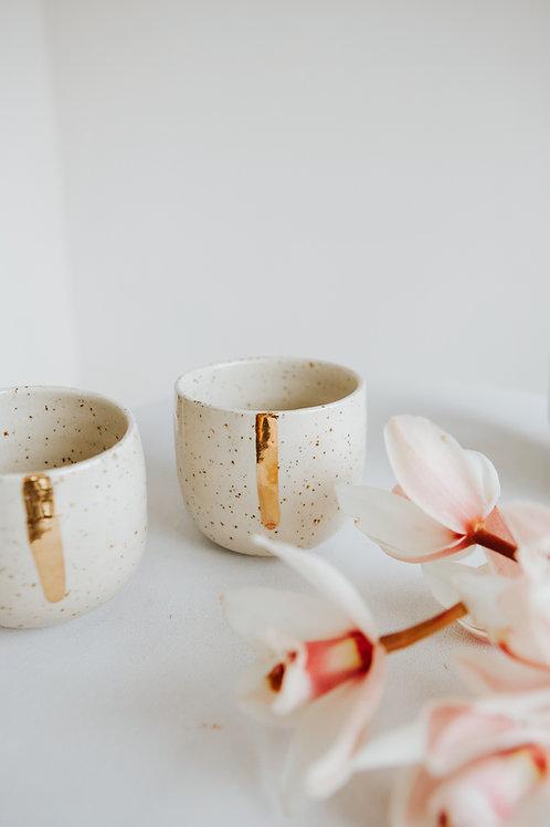 Tasse à café mouchetée, ligne or