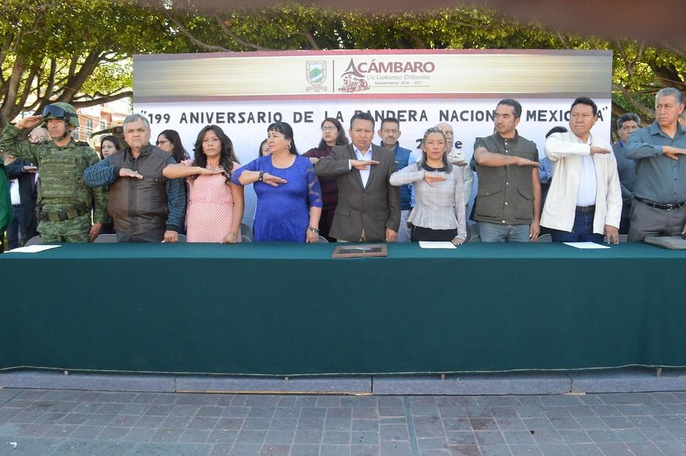 Con un acto cívico, celebran en Acámbaro el 199 Aniversario de la Bandera Nacional Mexicana