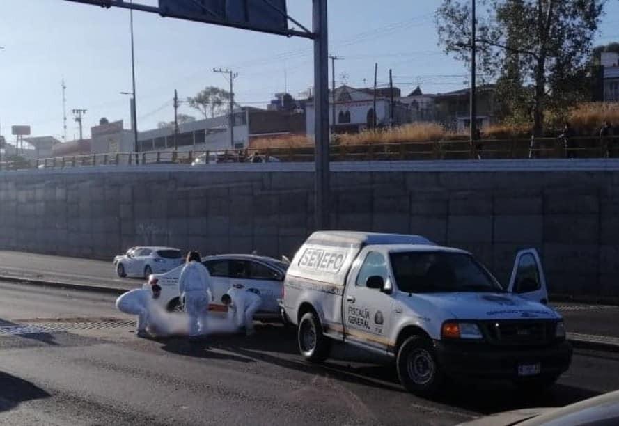Una mujer muerta y un herido tras aparatoso choque de taxi al norte de Morelia