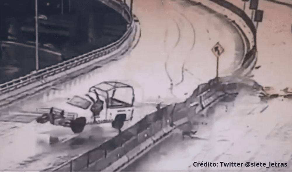 Camioneta de la Guardia Nacional patina y choca; agentes salen volando (+Video)