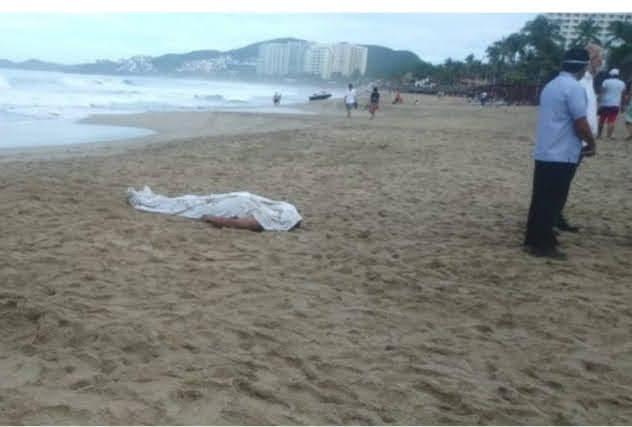 """Después de 3 días que el mar de Zihuatanejo lo """"tragó"""", localizan sin vida a turista michoacan"""