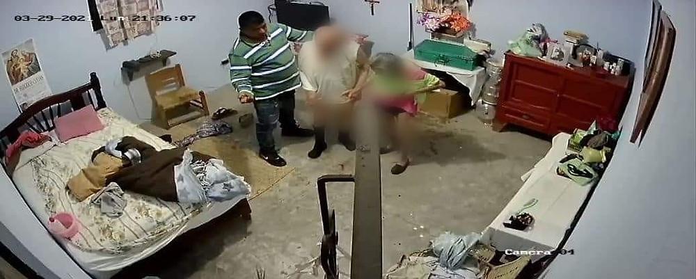 Michoacán: Hombre golpea y asalta a pareja de adultos mayores; los reportan graves