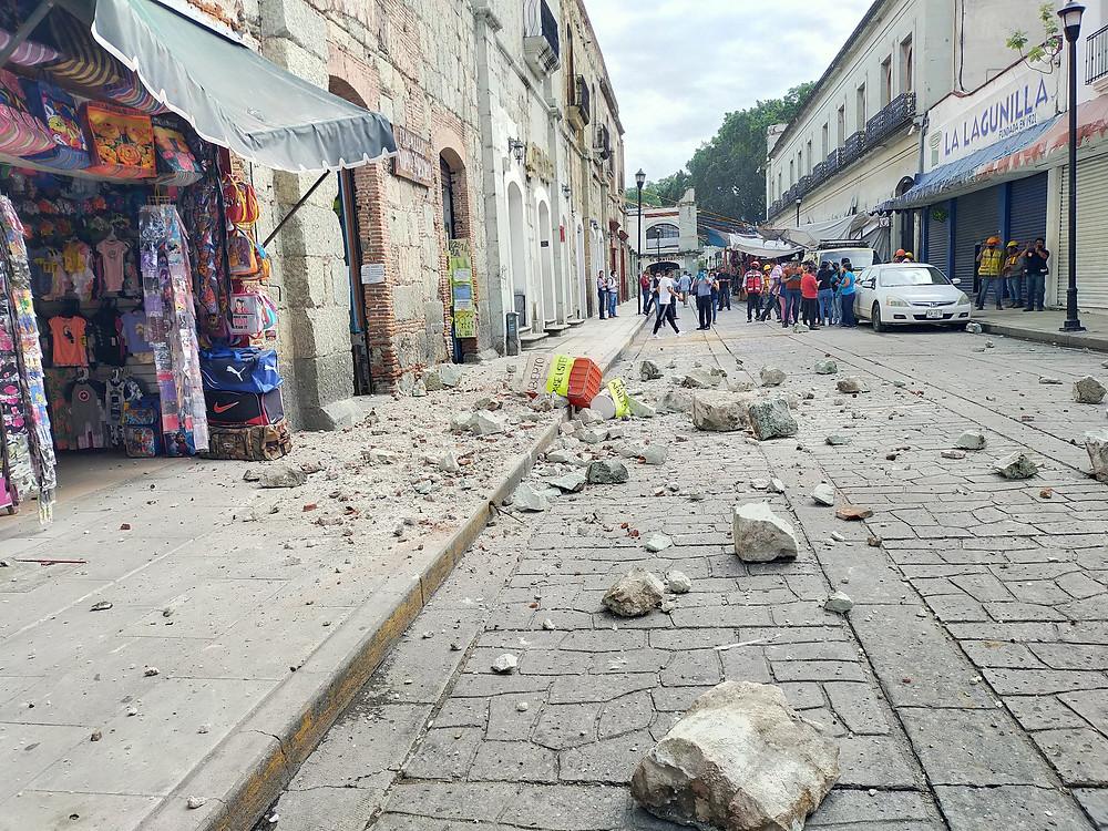 Un fuerte terremoto sacude México con magnitud de 7.5 (+Videos)