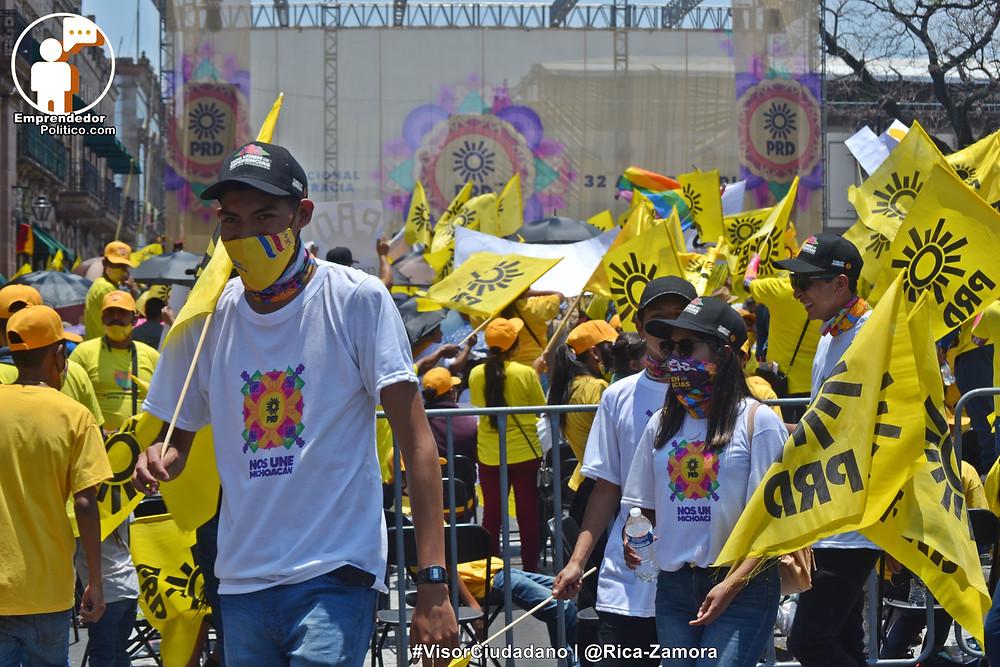 Más de 10 mil michoacanos arropan a Carlos Herrera en el Aniversario del PRD 2