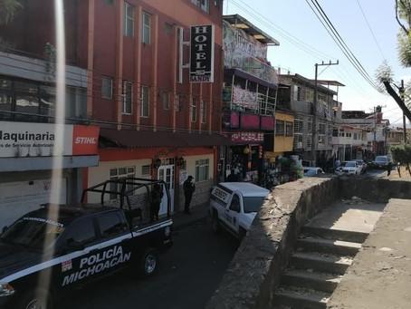 #Michoacán: Hallan muerto y con signos de violencia a huésped de hotel