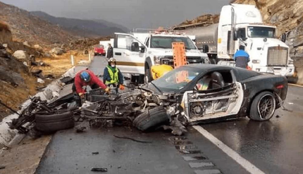 Se estrella y muere mientras transmitía en VIVO desde su Corvette (+Video)
